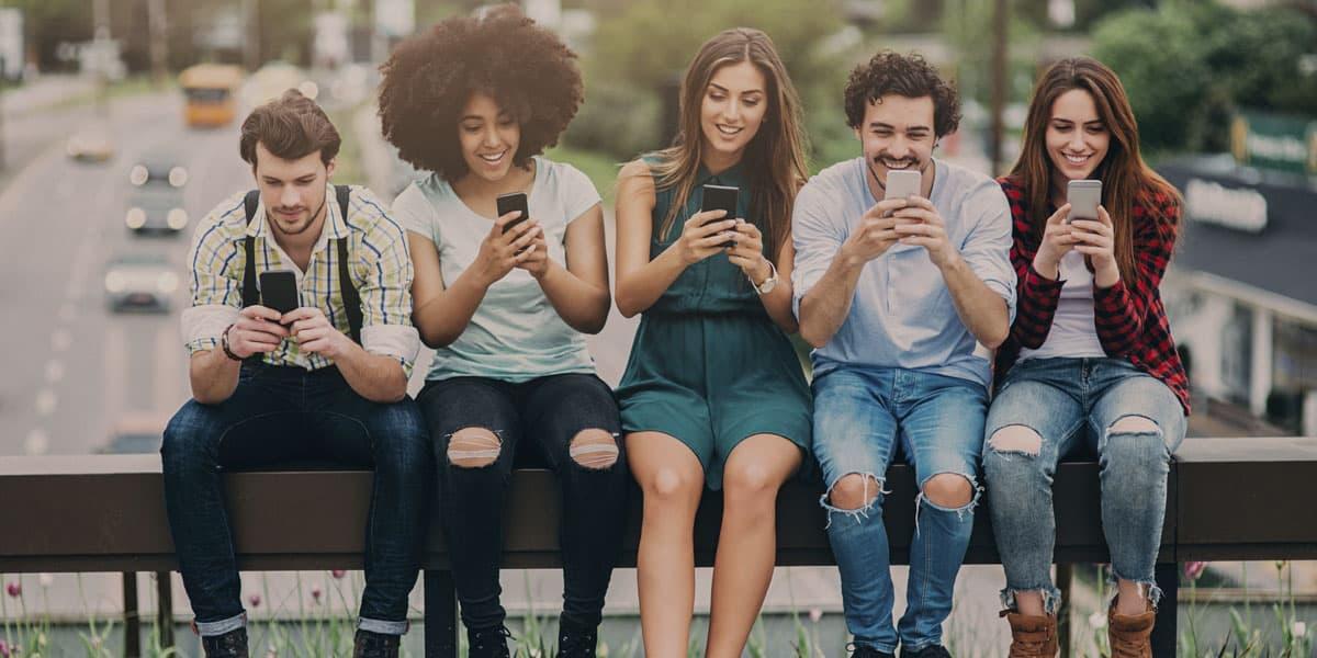 onlineexperts-online-agentur-fuer-professionelle-onlinepraesenz-healthexperts-wien-smartphones